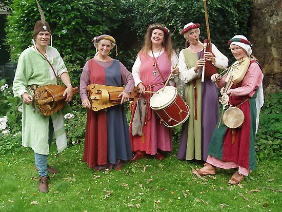 kleding middeleeuwen vrouw